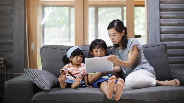 How to Manage Screen Time for Kids